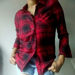 Two by Vince Camuto Red Plaid Top
